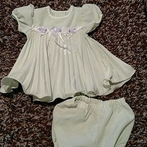 Jessica Ann green and white dress 6-9 months